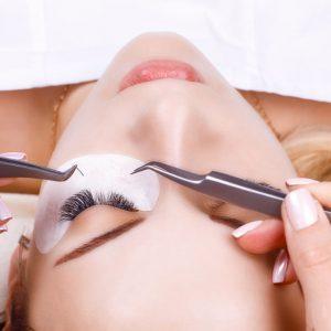 Hybrid Eyelash Extension Offer